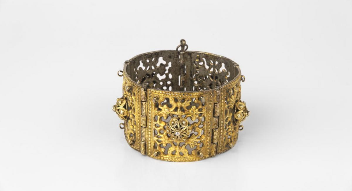 Armband. Silber, feuervergoldet, Filigran. 1850. Foto: Thomas Dierks