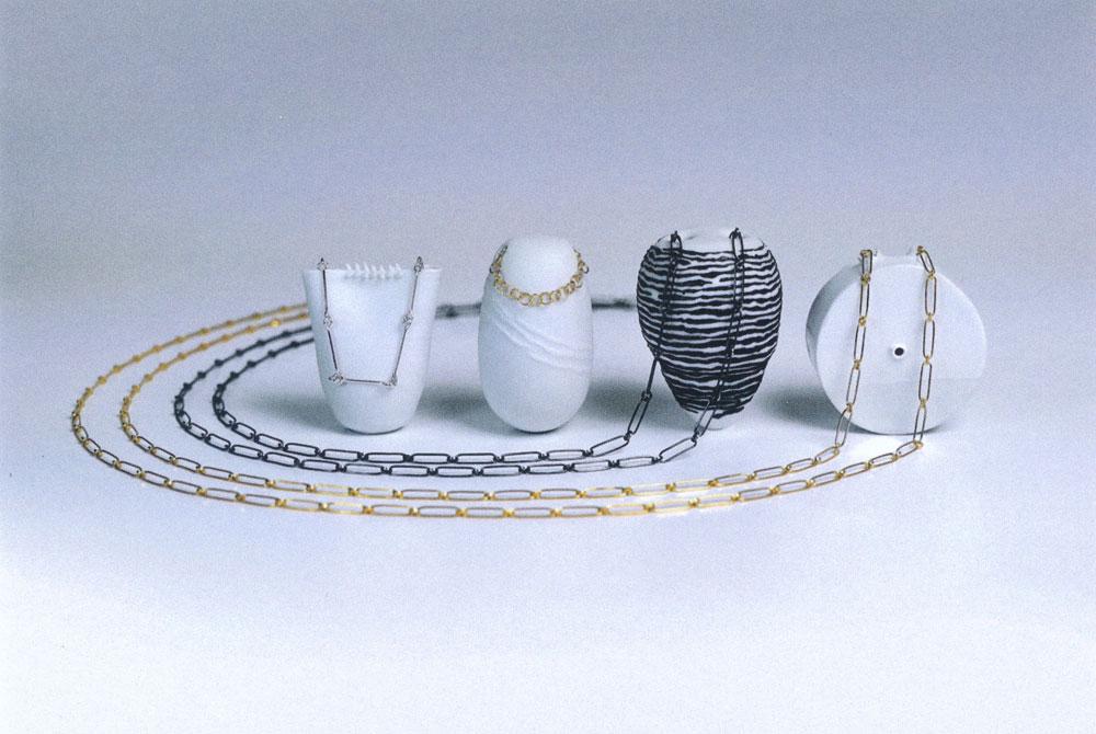 Barbara Dorfner (Schmuck), Veronika Riedl (Keramik)